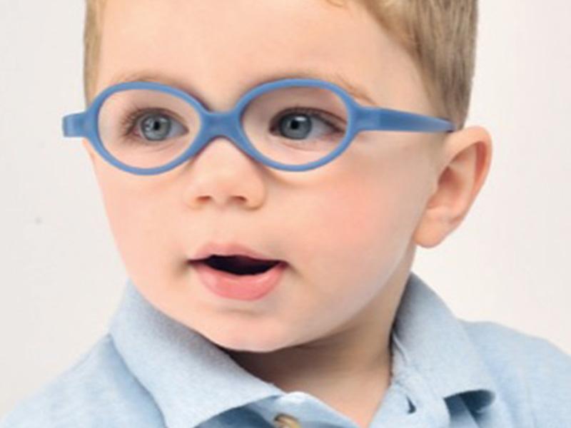 Comment bien choisir les lunettes de vue pour les enfants ?